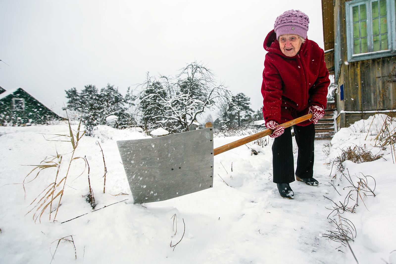 Elder Care in Lake Bluff IL: Prepare for Winter Storms