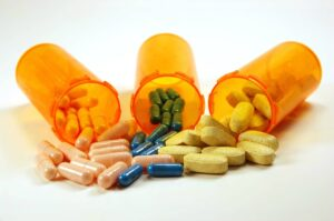 Home Health Care in Deerfield IL: Medicine Cabinet Organization